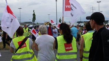 Amazon Beschäftigte beim Streik